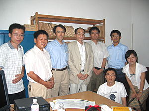 写真1 湖南省文物考古研究所(左から二番目が張春龍氏)