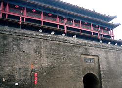 写真2 西安城壁(南門)